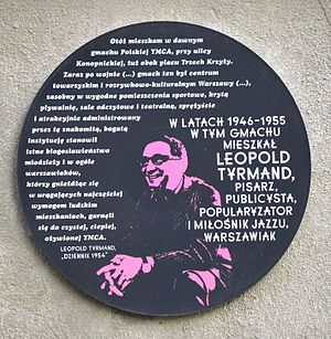Leopold Tyrmand - Plaque in memory of Leopold Tyrmand at 6 Konopnickiej Street in Warsaw, where he lived in 1946–1955