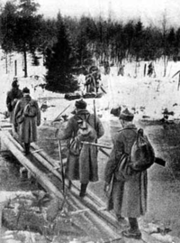 Talvisota Soviet infantry crossing Rajajoki