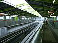 Tama-monorail-Takamatsu-station-platform.jpg