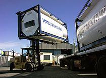 Tankcontainer Verladung.jpg