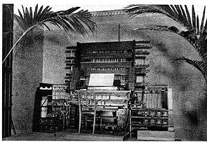:en:Telharmonium console by :en:Thaddeus Cahil...