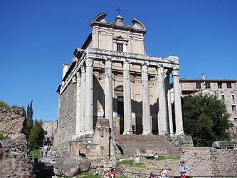 Temple of Antoninus and Faustina (Rome) 2.jpg
