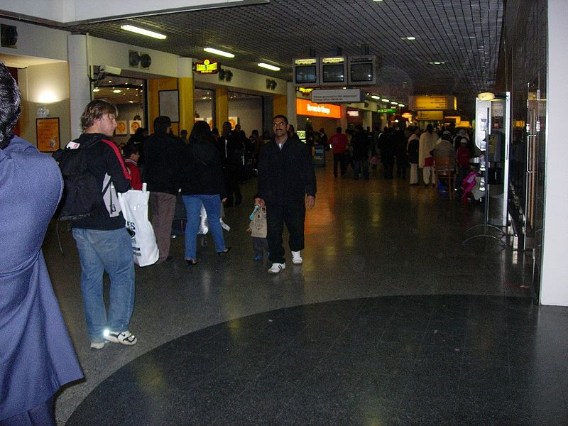 800px-Terminal3departures.JPG