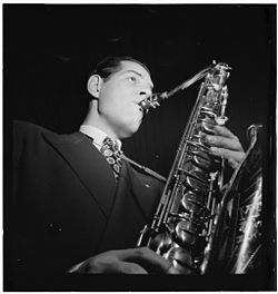Tex Beneke, ca. Jan. 1947 (William P. Gottlieb 00641).jpg