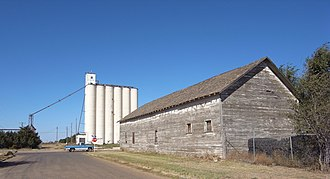 Parmer County, Texas - Image: Texico New Mexico grain elevator 2010
