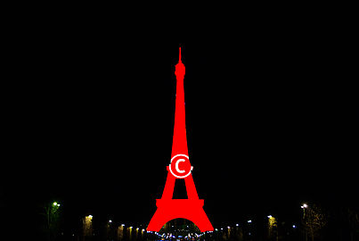 Tour Eiffel Copyrighted.jpg