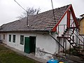 Traditional long house. - 11 Zámbelli street, Budapest.JPG