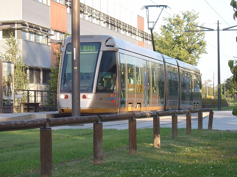 Tramway Orleans.jpg