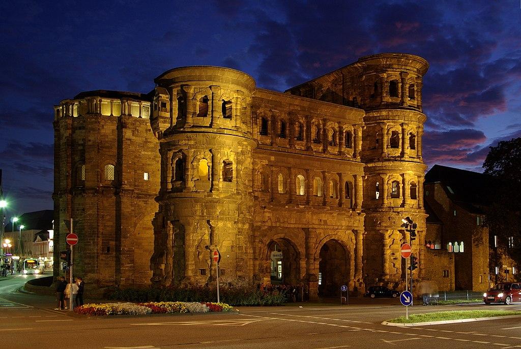 Trier: Porta Nigra (UNESCO-Welterbe Römische Baudenkmäler, Dom St. Peter und Liebfrauenkirche in Trier)