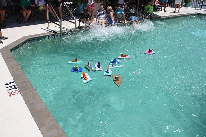 File:Tug Boat Race 1 (19) (27848720066).jpg