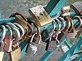 Tumski Bridge Wroclaw love locks 01.jpg