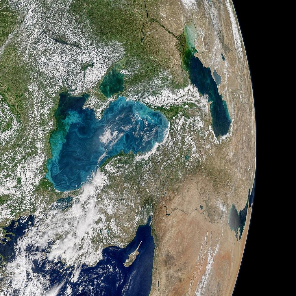 1024px-Turquoise_Swirls_in_the_Black_Sea.jpg