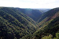 Vallée de la Cère.jpg