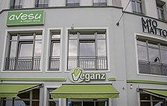 fotografía del escaparate de Veganz