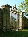 Versailles potager du roi porte royale closeup.jpg