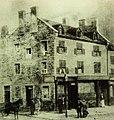 Vieux-Montréal, vers 1850. Coin Sud-Est de Place dArmes et Petite rue Saint-Jacques. (6702316293).jpg