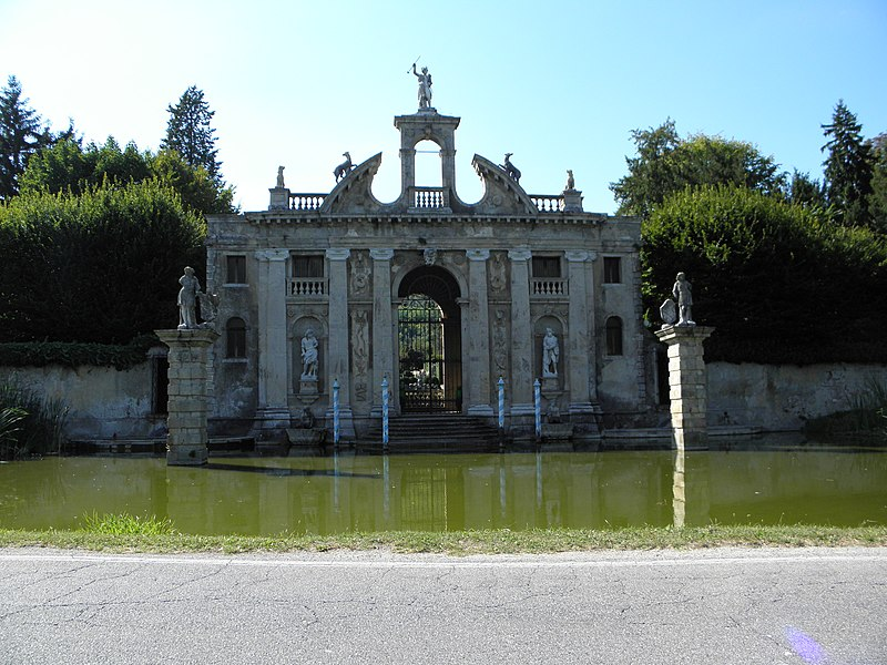 File:Villa Barbarigo Pizzoni Ardemani, portale esterno (Valsanzibio, Galzignano Terme).JPG