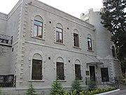 Villa Petrolea front