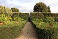 Villa la quiete, giardino, vialetto della ragnaia 01.JPG