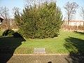 Wallhausen (Helme) Bombing Victims Mass Grave.JPG