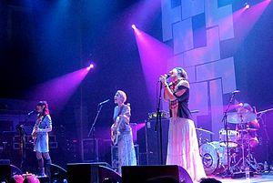 Warpaint (band) - Image: Warpaint 2011