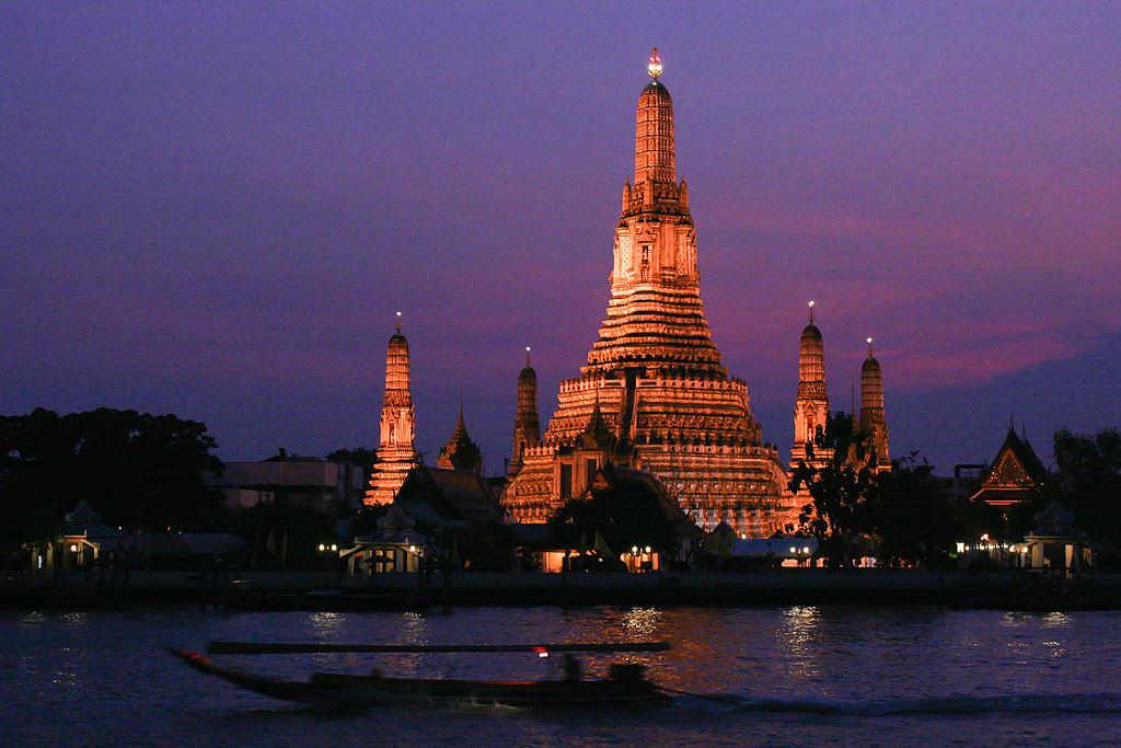 Wat Arun on Twilight