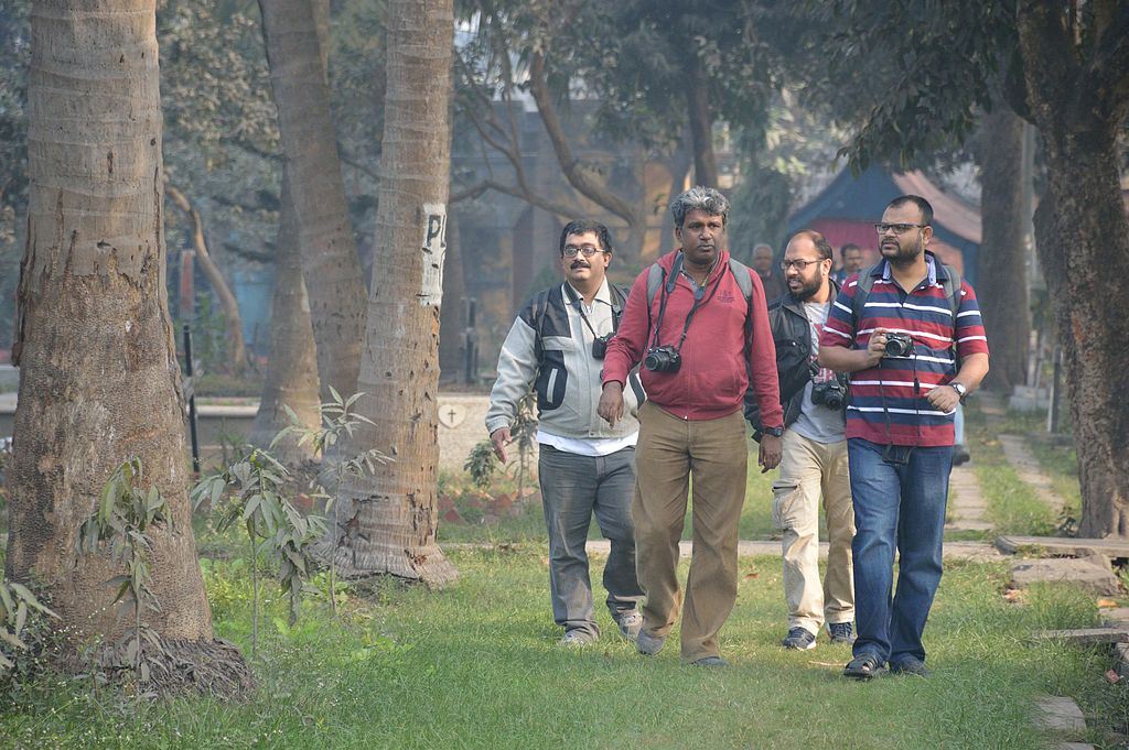 Wikipedians at the St. Stephen's Cemetery (Photo: Biswarup Ganguly)