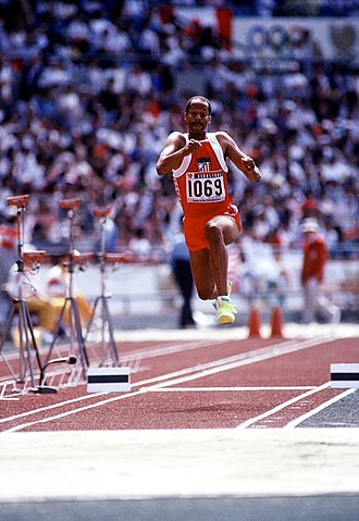 Triple jump - Image: Willie Banks Jr. in Seoul 1988