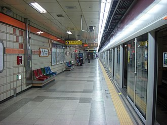 Yangjae station - Image: Yangjesta 02