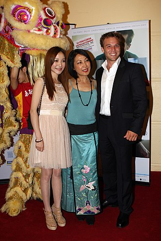 33 Postcards - Zhu Lin, Pauline Chan and Lincoln Lewis