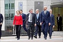 (de gauche à droite) Ursula Von der Leyen, présidente de la Commission, David Sassoli, président du Parlement et Charles Michel président du Conseil européen
