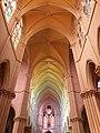 Église de la Rédemption - Haut de la nef.jpg