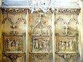 Étampes (91), église Saint-Basile, bas-reliefs - 3 scènes de baptême (1ère travée du 2e bas-côté nord).jpg