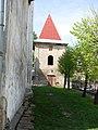 Дзвіниця (вид з подвір'я костелу).jpg