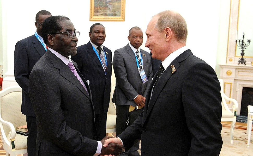 Президент России Владимир Путин с Президентом Зимбабве Робертом Мугабе 3