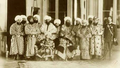 Сеид Абдулахад-хан, наследник престола Сеид Алим-хан и свита эмира в Зимнем дворце в Ст.Петербурге.png