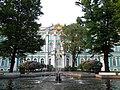 Фонтан у Зимнего дворца на закате - panoramio.jpg