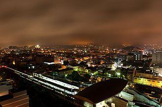 Yangmei District - Image: 楊梅市區夜景