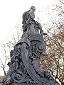05 Monument a Pitarra, pl. del Teatre.jpg
