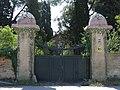 06 Casa Pladellorens (Vilafranca del Penedès), accés des de la carretera C-243a.jpg