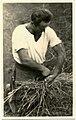 080 Uomo prepara fascina di legno.jpg
