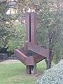 1030 Erdbergstraße - Skulptur im Vorgarten des Hauptverbandes der Sozialversicherungsträger von Karl Kaltenbacher IMG 0040.jpg