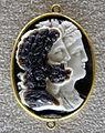 154 arte romana, serapide e iside, calcedonio, IV sec,, ritoccata nel xvii.JPG