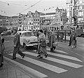 17 oktober Veilig Verkeersdag . Voetgangersoversteekpad Amsterdam, Bestanddeelnr 908-0725.jpg