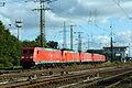 185 221-9 mit Lokzug, Köln-Gremberg 2015-10-10.JPG