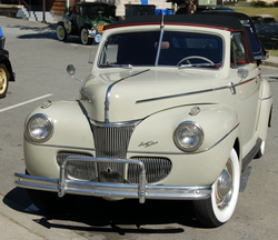 Ford Super Deluxe Cabriolet Modell 11A (1941)
