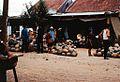 1970 Người nông dân họp chợ bên ngoài Pink Palace (9680616348).jpg