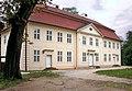 20030704100DR Mirow Schloßinsel Kavaliershaus.jpg