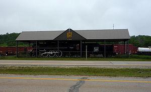 Gladstone, Michigan - Image: 2009 0619 4 6 2 Pacific H3 730