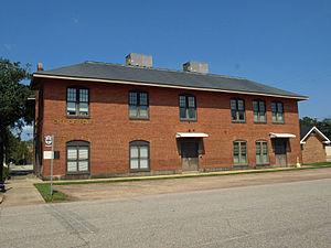 Foley, Alabama - Image: 200 N Alston St Foley Sept 2012